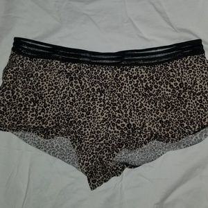 Victoria secret  shortie M